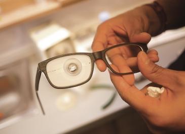 lens-mounting
